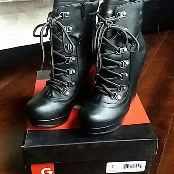 Guess Shoes - GUESS Black G Locke Booties  6M NWOT